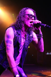 Stephen Pearcy - Photo by Thomas Collins